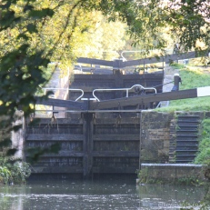 Lower gates at Ryeford Double Lock, Stroudwater Navigation