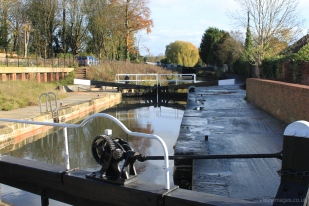Wet and dry at Dudbridge Lower Lock, Stroudwater Navigation